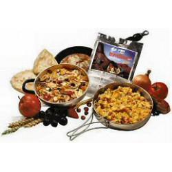 Tūristu pārtika Menca ar rīsiem krēma mērcē