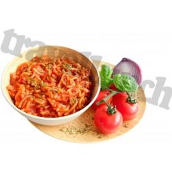 Tūristu pārtika Pasta ar Napoli tomātu mērci