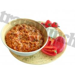 Tūristu pārtika Piparots liellops ar rīsiem un dārzeņiem